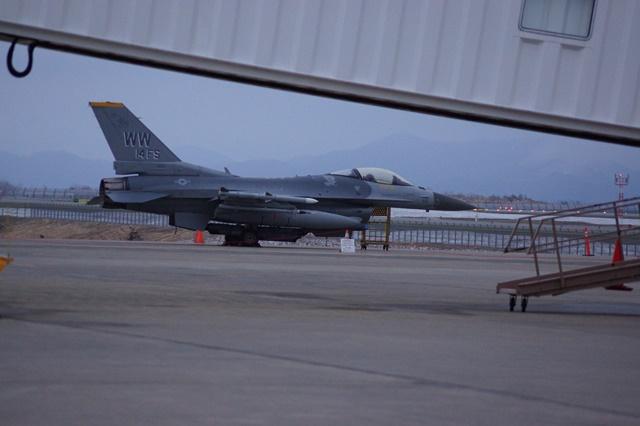 広島空港アシアナ機事故、青森空港で米軍機青森緊急着陸_d0181492_13192792.jpg
