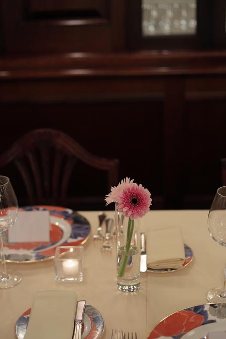 春の装花 ガーベラ シェ松尾青山サロン様へ と母の日休止のお知らせ_a0042928_2221896.jpg