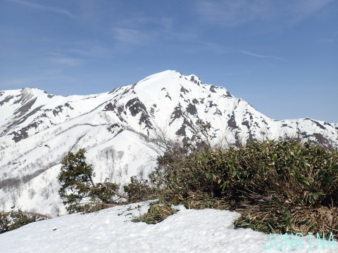 春の谷川岳、最高です!_d0110562_04002118.jpg