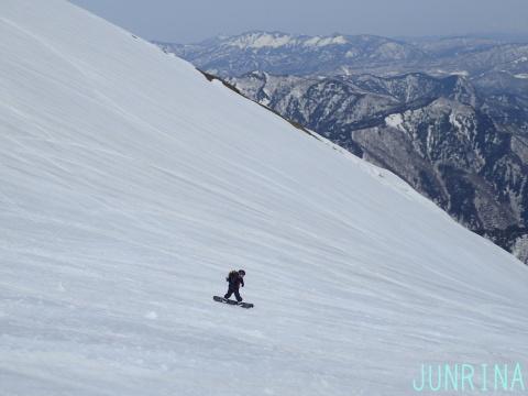 春の谷川岳、最高です!_d0110562_04265485.jpg