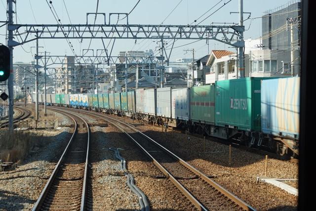 藤田八束の貨物列車写真集:地方創生に貢献、貨物列車「桃太郎」の素晴らしい勇姿_d0181492_22112233.jpg