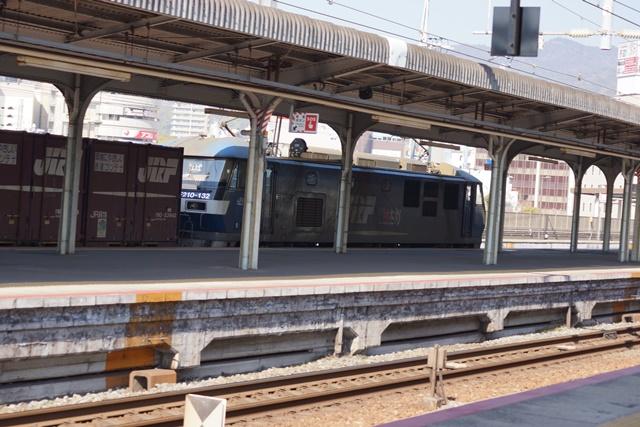 藤田八束の貨物列車写真集:地方創生に貢献、貨物列車「桃太郎」の素晴らしい勇姿_d0181492_22285390.jpg