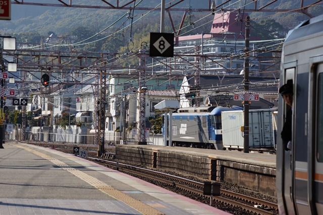藤田八束の貨物列車写真集:地方創生に貢献、貨物列車「桃太郎」の素晴らしい勇姿_d0181492_2372244.jpg