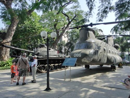 ベトナムの旅 その1 戦争証跡博物館_f0269910_17412549.jpg