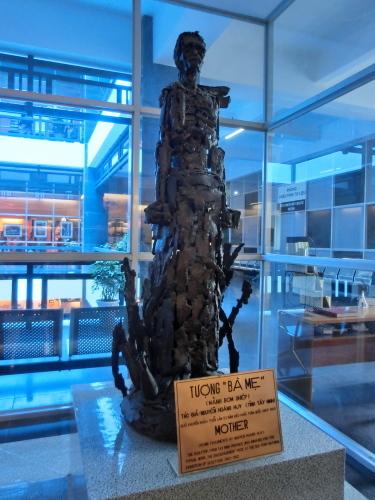 ベトナムの旅 その1 戦争証跡博物館_f0269910_18372585.jpg