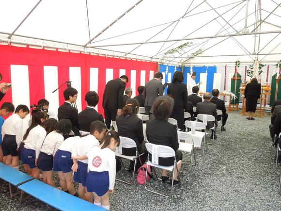 津ノ井保育園・デイサービスセンター_b0253614_1021426.jpg