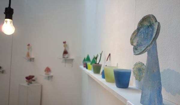 今週末4/19(日)まで、安達知江硝子展「と、或るいちにち」_a0017350_07341311.jpg