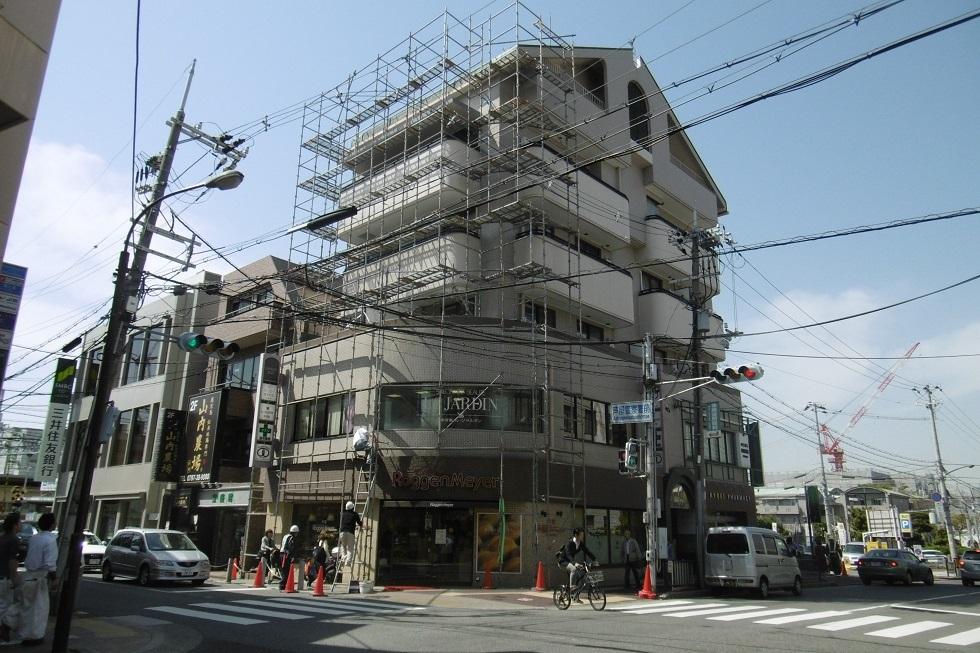 建物のストリップ_f0205367_18205367.jpg
