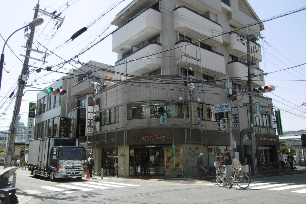 建物のストリップ_f0205367_18340371.jpg