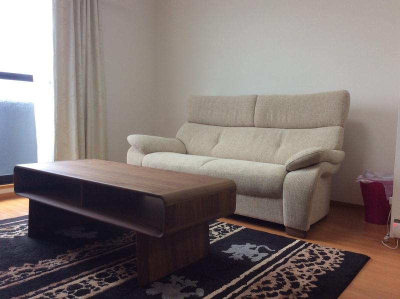 カリモク家具の納品実例と、ウレタンの「耐久性」_d0224984_1525588.jpg