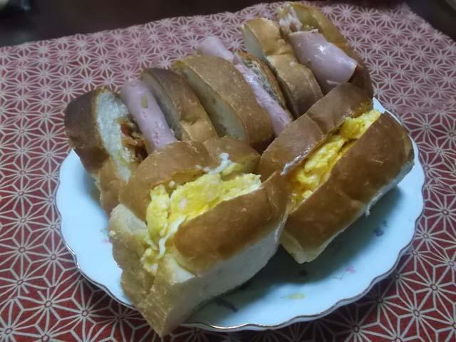 ミニ食パンでサンドイッチ_f0019498_623207.jpg