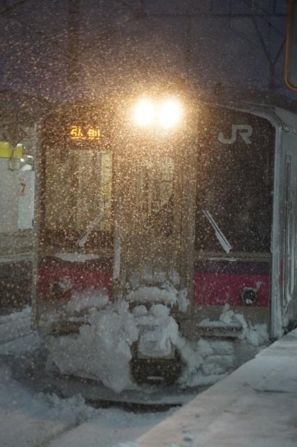 藤田八束の北国の列車を訪ねる旅:北国の列車たち、極寒風雪の中で頑張っています_d0181492_1725427.jpg