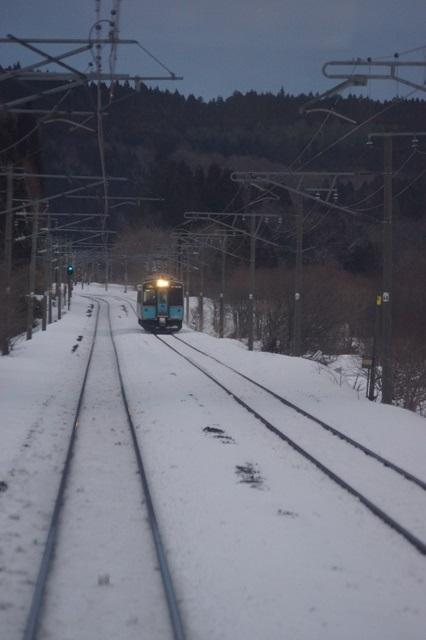 藤田八束の北国の列車を訪ねる旅:北国の列車たち、極寒風雪の中で頑張っています_d0181492_1735259.jpg