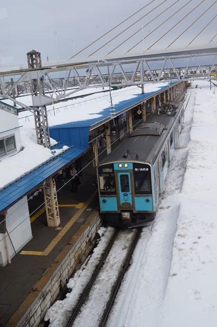 藤田八束の北国の列車を訪ねる旅:北国の列車たち、極寒風雪の中で頑張っています_d0181492_1753847.jpg