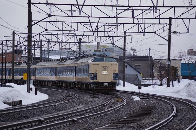 藤田八束の北国の列車を訪ねる旅:北国の列車たち、極寒風雪の中で頑張っています_d0181492_1784024.jpg