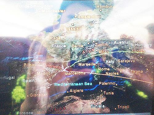 日本(極東)⇔ドーハ(中東)⇔スペイン⇔ポルトガル・・・2週間で16都市を移動したのか→_b0032617_8543786.jpg
