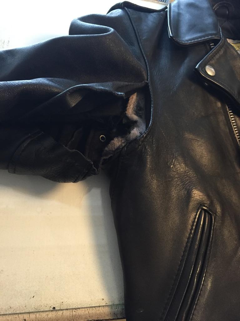 革ジャン破れ 縫い直し ホツレ_b0178425_18465041.jpg
