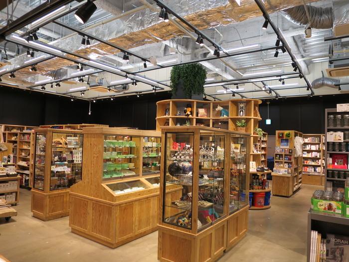 ららぽーと富士見店のブックカフェBOWLとヤオコーの書籍売場_a0018105_1733236.jpg