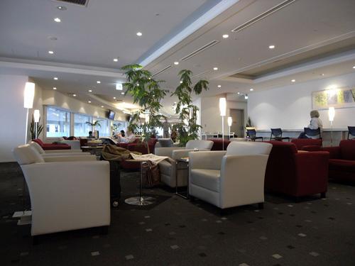 KLMオランダ航空のビジネスクラス 機内食とデルフト焼のミニチュアハウス_f0117059_1533343.jpg
