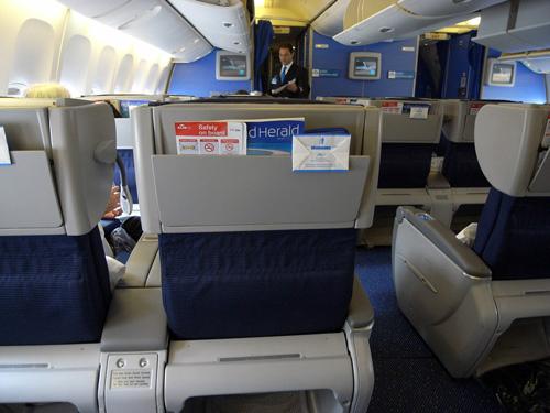 KLMオランダ航空のビジネスクラス 機内食とデルフト焼のミニチュアハウス_f0117059_15335218.jpg