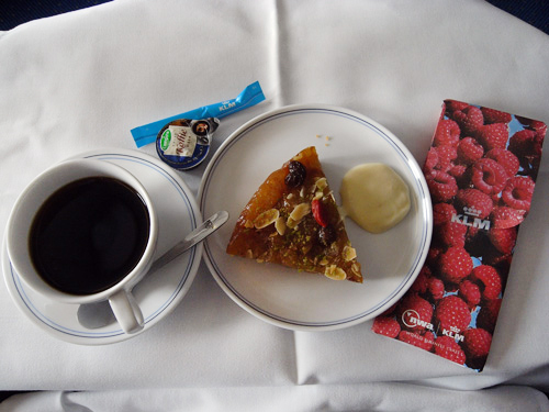 KLMオランダ航空のビジネスクラス 機内食とデルフト焼のミニチュアハウス_f0117059_15411550.jpg