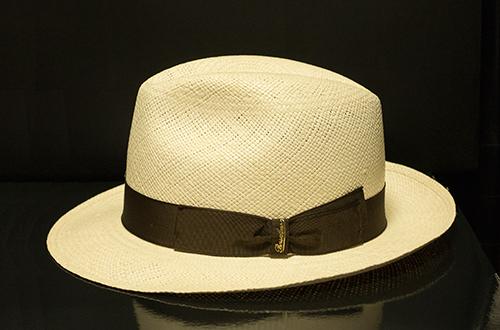 季節は未だ少し早いけど、今期夏用のパナマ帽を買った!_b0194208_0463885.jpg