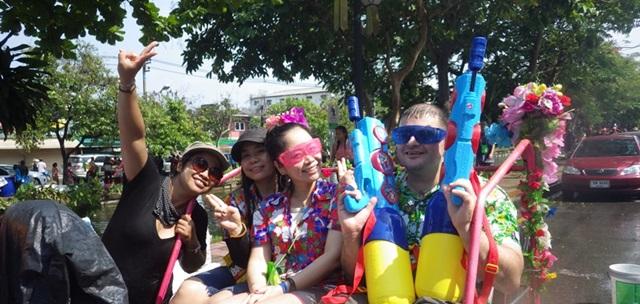 ソンクラーン2015,1日で十分や☆チェンマイ,タイ_e0182138_12224670.jpg