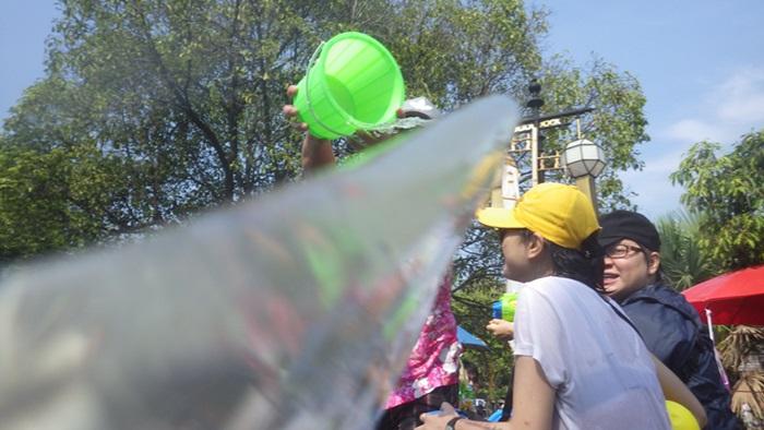 ソンクラーン2015,1日で十分や☆チェンマイ,タイ_e0182138_12235779.jpg