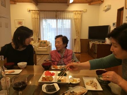 母と食卓を囲んで_b0100062_21185921.jpg