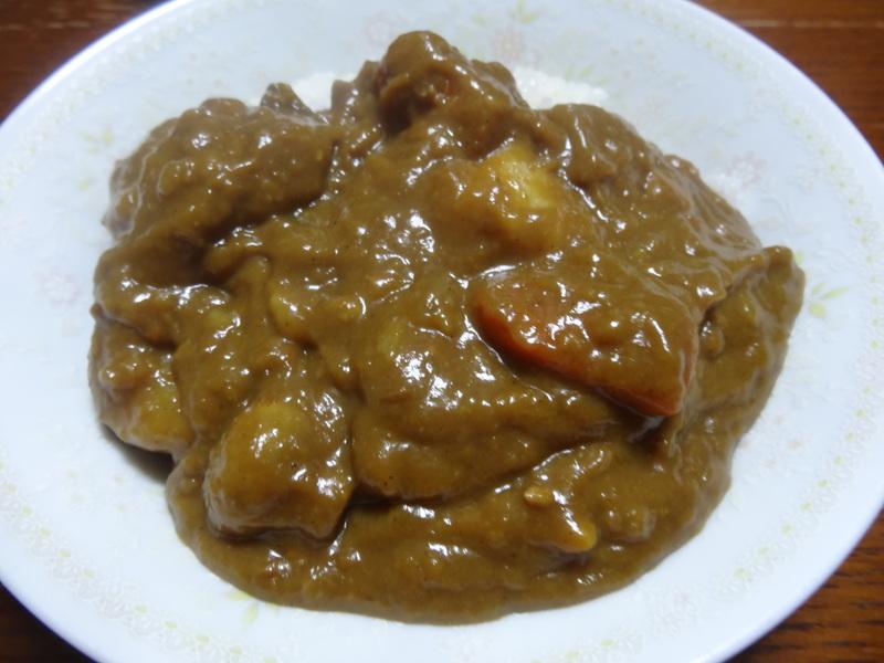 アボカドハムサラダ、根菜の煮物、カレーライス、キムチ納豆、菜の花のお浸し、叉焼麺です。_c0225997_4473267.jpg