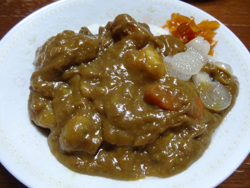 アボカドハムサラダ、根菜の煮物、カレーライス、キムチ納豆、菜の花のお浸し、叉焼麺です。_c0225997_4501051.jpg