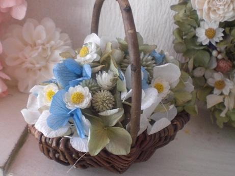 アナ雪風ブルー×ホワイト紫陽花かごアレンジ_c0207719_1752139.jpg