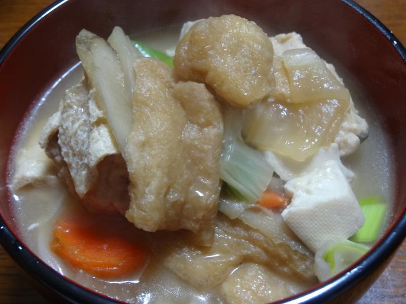 銀鱈の西京漬け、鶏団子の具沢山味噌汁、目玉焼き、豚バラ肉のスタミナ焼です。_c0225997_5303648.jpg