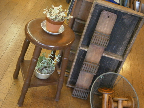 丸椅子、など☆_e0199317_22017.jpg
