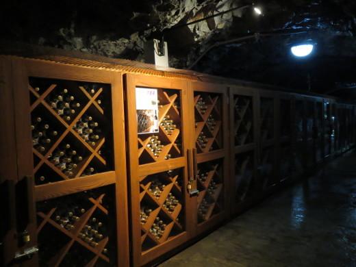 龍泉洞の山ぶどうワイン貯蔵庫、今日から公開します!_b0206037_07435771.jpg