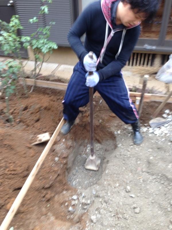 庭造り 「月見台」を造る_f0156448_14304613.jpg