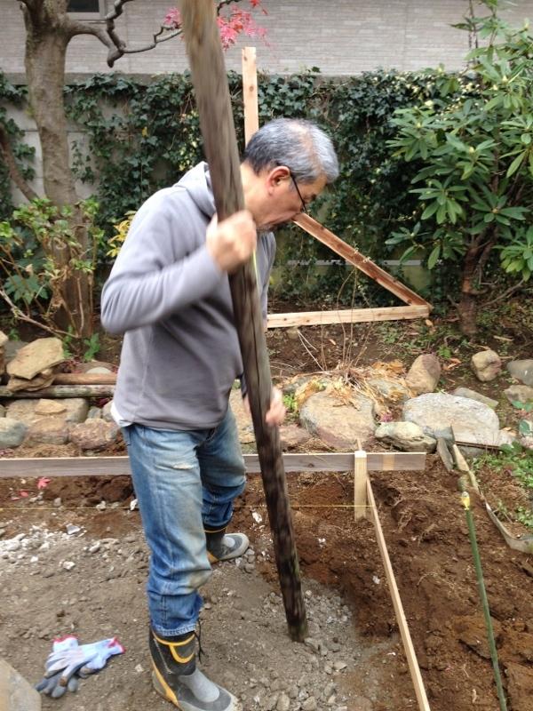 庭造り 「月見台」を造る_f0156448_14304663.jpg