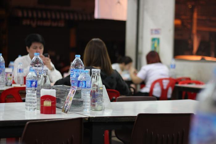チェンマイ 夕食 食堂 _e0141982_22252939.jpg