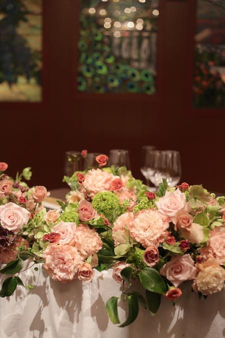 春の装花 メゾン ポール・ボキューズ様へ サーモンピンクと緑の花で_a0042928_2115216.jpg