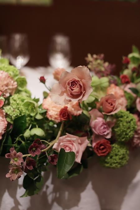 春の装花 メゾン ポール・ボキューズ様へ サーモンピンクと緑の花で_a0042928_215210.jpg