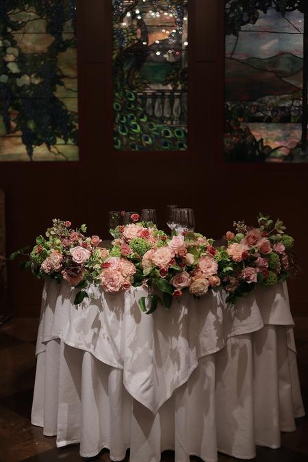 春の装花 メゾン ポール・ボキューズ様へ サーモンピンクと緑の花で_a0042928_2153798.jpg