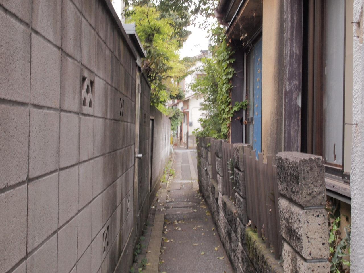 足立区興野町の隣町/本木町を巡りました。_a0214329_021890.jpg