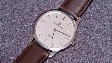 普段使いのアンティークウォッチ風の腕時計 『ユニバーサルジュネーブ』アルテッセ_c0364960_06483907.jpg