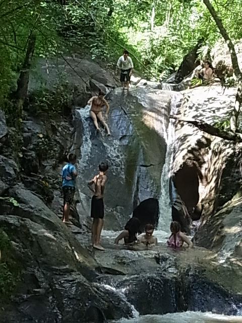 現地ツアー 蘭園 集落 滝すべり ラフティング 象乗り_e0141982_1850190.jpg
