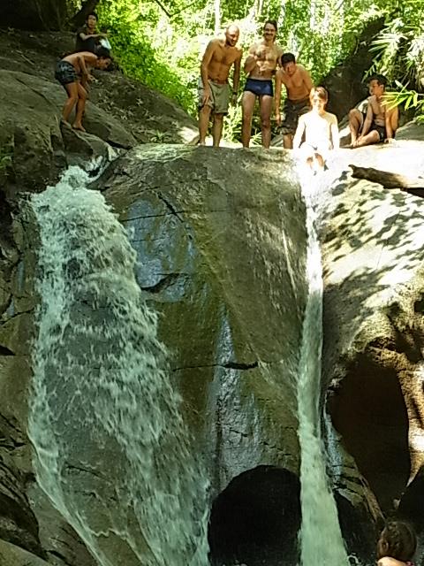 現地ツアー 蘭園 集落 滝すべり ラフティング 象乗り_e0141982_1852077.jpg