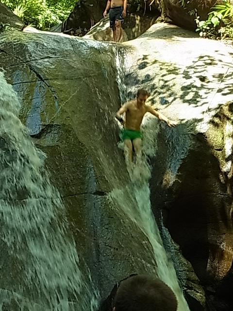現地ツアー 蘭園 集落 滝すべり ラフティング 象乗り_e0141982_18525159.jpg