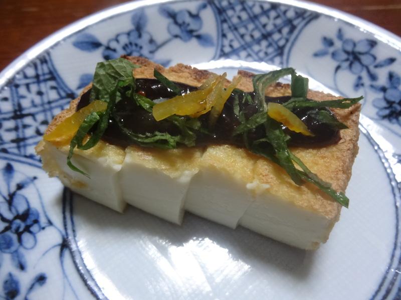 チャンポン麺、厚揚げ、鮭の西京味噌漬け、お握り、おはぎ、煮込みハンバーグ風肉団子です。_c0225997_16584842.jpg