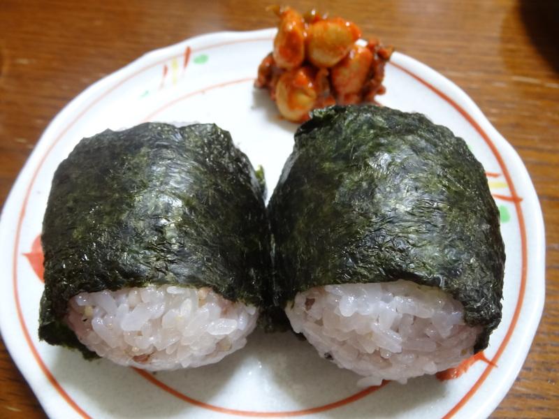 チャンポン麺、厚揚げ、鮭の西京味噌漬け、お握り、おはぎ、煮込みハンバーグ風肉団子です。_c0225997_1812145.jpg
