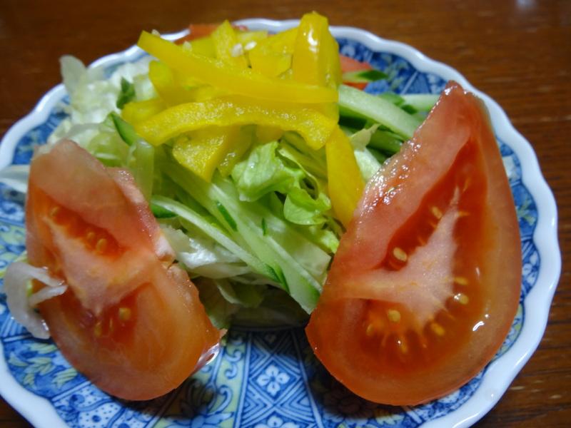 チャンポン麺、厚揚げ、鮭の西京味噌漬け、お握り、おはぎ、煮込みハンバーグ風肉団子です。_c0225997_18272473.jpg