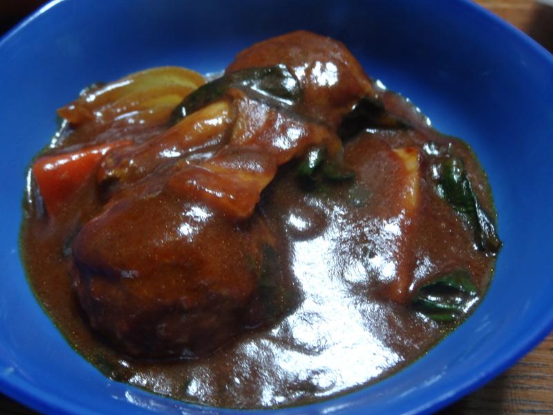 チャンポン麺、厚揚げ、鮭の西京味噌漬け、お握り、おはぎ、煮込みハンバーグ風肉団子です。_c0225997_18432784.jpg